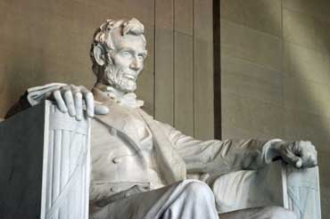 Abraham Lincoln Statue Inside Lincoln Monument