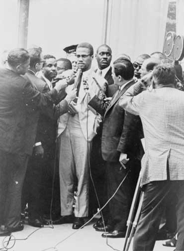 Malcolm X and News Reporters